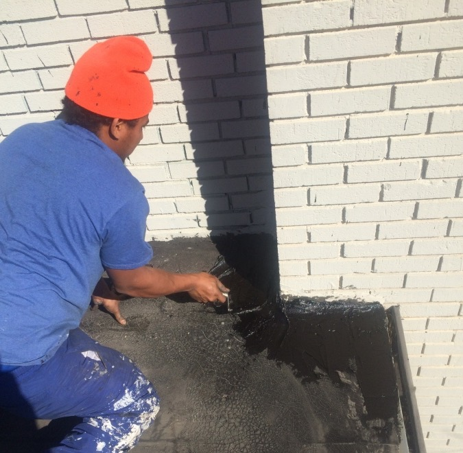 Roof Repair Contractor For Commercial Flat Roofs Leaking